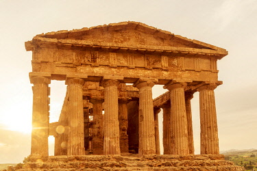 ITA13805AW Europe, Italy, Sicily. Agrigento, the temple of Concordia at sunset.