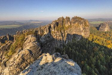 IBXMAL04832756 View to Schrammsteine, Elbe Sandstone Mountains, National Park Saxon Switzerland, Saxony, Germany, Europe