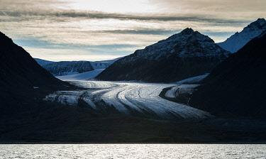 IBXOMK04852345 Glacier tongue, Kongsfjorden, Spitsbergen archipelago, Svalbard, Norway, Europe