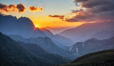 VIT1606AW Asia, Vietnam, Hoàng Liên Son Mountain landscape, Sapa