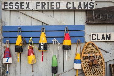 US03590 USA, New England, Massachusetts, Cape Ann, Essex, antique lobster buoys