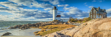 US03710 USA, New England, Massachusetts, Cape Ann, Gloucester, Annisquam Lighthouse, late afternoon, autumn