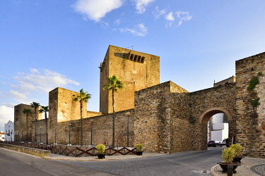 SPA9064AW The 13th century medieval castle of Olivenza. Extremadura, Spain