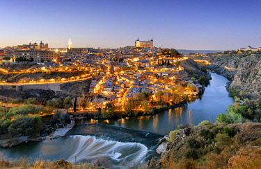 SPA9081AW Toledo and the Tagus river at twilight, a Unesco World Heritage Site. Castilla la Mancha, Spain