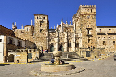 SPA9120AW Real Monasterio de Nuestra Senora de Guadalupe (Royal Monastery of Santa Maria of Guadalupe), a Unesco World Heritage Site. Guadalupe, Extremadura, Spain