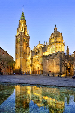 SPA9143AW The Catedral Primada (Primate Cathedral of Saint Mary of Toledo), dating back to the 13th century, is considered the magnum opus of the Gothic style in Spain. A Unesco World Heritage Site, Toledo. Cas...