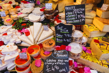 TPX69837 England, London, Southwark, London Bridge City, Borough Market, French Cheese Shop Displaymarket,