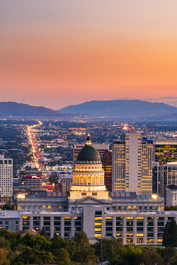 USA14383AW State Capital building and skyline of Salt Lake City, Utah, USA