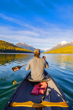 USA14400AW Kayaking on Bowman Lake, Glacier National Park, Montana, USA