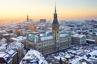 IBLCOF01792701 Town hall and Christmas market, Hamburg, Germany, Europe