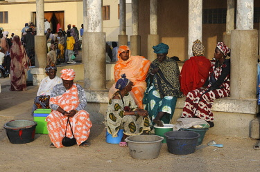 IBLKEL01786067 Women selling their fish in the fishing market of Nouakchott, Mauritania, northwestern Africa, Africa