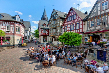IBLMOX01796970 Historic town centre of Idstein, Koenig-Adolf-Platz square with the Killingerhaus building, German Half-Timbered House Road, Rheingau-Taunus district, Hesse, Germany, Europe