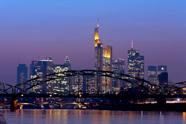 IBLMOX01846897 Light pollution through dust, view towards the skyline with Commerzbank Tower, Hessische Landesbank Helaba and City Group buildings, Frankfurt am Main, Hesse, Germany, Europe