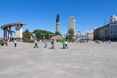 IBLRUN01828036 Flood Control Memorial, Harbin, Heilongjiang province, China, Asia