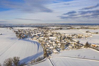 IBXHLI04860600 Winter landscape, Munsing at Lake Starnberg, drone shot, Upper Bavaria, Bavaria, Germany, Europe