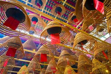 CH11919AW Incense coils at Man Mo Temple, Sheung Wan, Central District, Hong Kong Island, Hong Kong, China