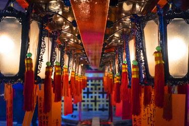 CH11968AWRF Prayer lanterns at Man Mo Temple, Sheung Wan, Central District, Hong Kong Island, Hong Kong, China