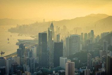 CH11935AW Skyscrapers in central Hong Kong, Admiralty and Mong Kok seen from The Peak at sunrise, Hong Kong Island, Hong Kong, China