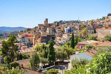 FRA11380AWRF View of hilltop city of Grasse, Alpes-Maritimes, Provence-Alpes-Côte d'Azur, France.
