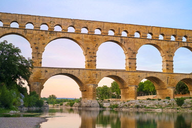 FRA11395AWRF Pont du Gard Roman aqueduct over Gard River at sunset, Gard Department, Languedoc-Roussillon, France