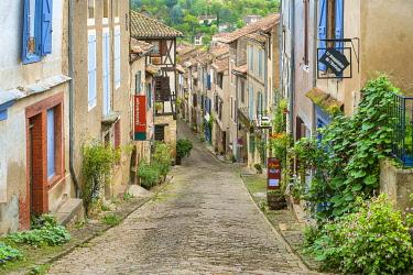 FRA11108AW Cordes-sur-Ciel, Tarn Department, Midi-Pyrénées, France.