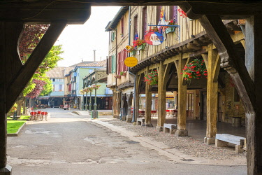 FRA11120AW Place de Couverts in bastide town of Mirepoix, Ariège, Midi-Pyrénées, France.