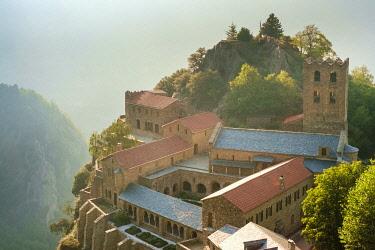 FRA11124AW Abbaye Saint-Martin du Canigou, Pyrénées-Orientales, Languedoc-Roussillon, France.