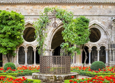 FRA11134AW Romanesque cloisters at Abbaye de Fontfroide, Aude Department, Languedoc-Roussillon, France.