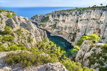 FRA11156AW Calanque d'En-Vau, Parc National des Calanques, Bouches-du-Rhône, Provence-Alpes-Côte d'Azur, France.