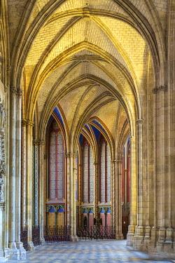 FRA11180AW Interior ambulatory of Orléans Cathedral (Basilique Cathédrale Sainte-Croix), Orléans, Loiret Department, Centre, France.