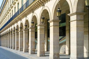 FRA11226AW Buidings arcades along the north side of Rue du Rivoli, Paris, Île-de-France, France.
