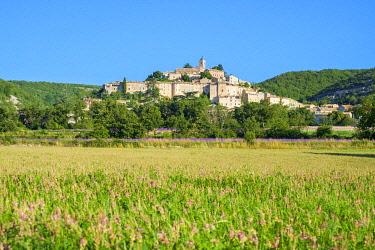 FRA11306AW Hilltop town of Banon, Alpes-de-Haute-Provence, Provence-Alpes-Côte d'Azur, France