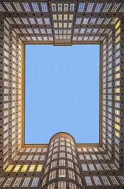 GER11780AW Sprinkenhof office building built in 1927-1943 in brick expressionist style, Kontorhausviertel, Hamburg Altstadt, Hamburg, Germany