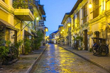 PHI1657AWRF Calle Crisologo at dawn, Vigan City, Ilocos Sur, Ilocos Region, Philippines