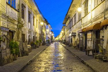 PHI1565AW Calle Crisologo at dawn, Vigan City, Ilocos Sur, Ilocos Region, Philippines