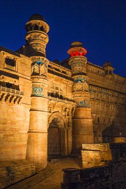 IN378RF India, Madhya Pradesh, Gwalior, Gwalior Fort, Man Singh Palace, Elephant Gate (Hathiya Paur)