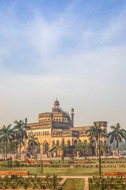 IN08321 India, Uttar Pradesh, Lucknow, Rumi Darwaza