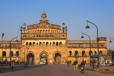 IN08335 India, Uttar Pradesh, Lucknow, Rumi Darwaza