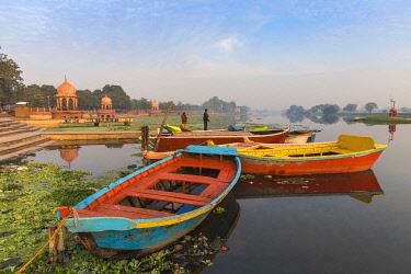 IN08386 India, Uttar Pradesh, Lucknow, India, Uttar Pradesh, Lucknow, Kuria Ghat