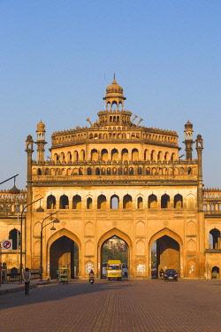 IN08410 India, Uttar Pradesh, Lucknow, Rumi Darwaza