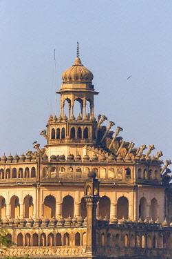 IN08411 India, Uttar Pradesh, Lucknow, Rumi Darwaza