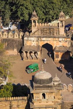 IN08416 India, Madhya Pradesh, Gwalior, View of Gwalior gate - Entrance to Gwalior Fort