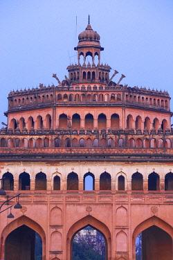 IN08417 India, Uttar Pradesh, Lucknow, Rumi Darwaza