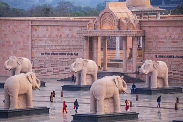 IN08444 India, Uttar Pradesh, Lucknow, Gomti Nagar, Dr. Ambedkar Park