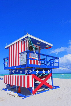 USA14498AW Lifeguard beach hut, Miami beach, Miami, Florida, USA