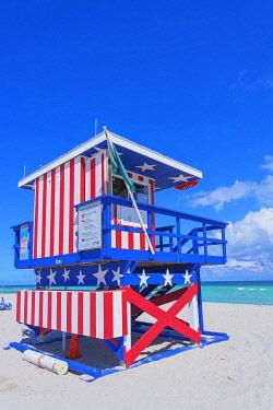 USA14498AW Lifeguard beach hut, Miami beach, Miami, Florida, USA