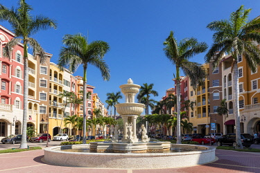 US10BJN0299 Bayfront, an upscale commercial and residential community in Naples, Florida, USA
