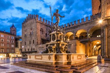 IT08095 Piazza del Nettuno, Bologna, Emilia-Romagna, Italy