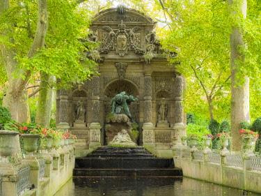 EU09SGU0015 Jardin Du Luxembourg and Fountaine de L'Observatoire, Paris, France