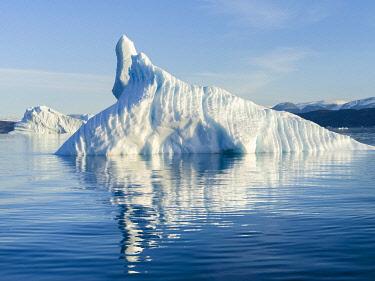GR01MZW0932 Icebergs in the Uummannaq fjord system, northwest Greenland, Denmark
